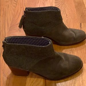 Toms Suede and herringbone boots